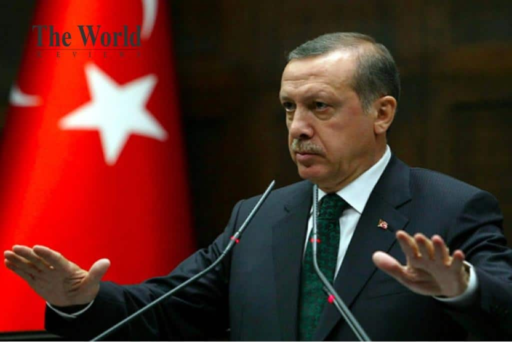 Why does Erdogan create a refugee crisis on the border with the EU?