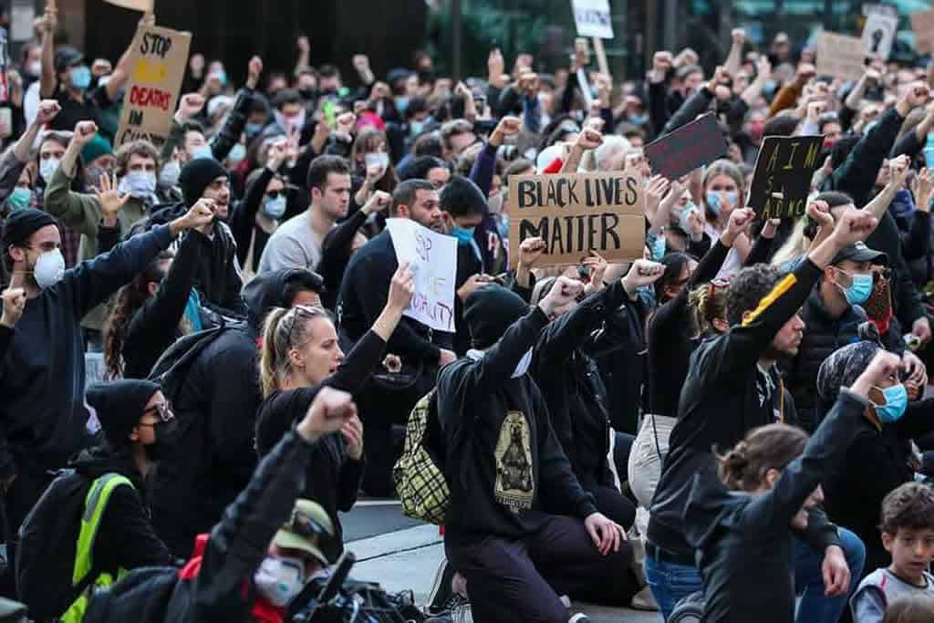 "Protests against George Floyd's death spread across Australia with mass rallies for ""Black Lives Matter"""