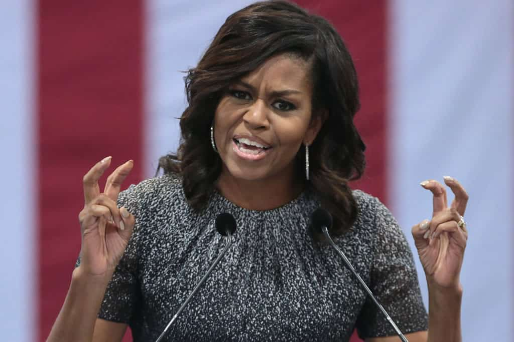 """Michelle Obama attacks Trump and urges the Americans: """"Vote as if your life depended on it"""""""