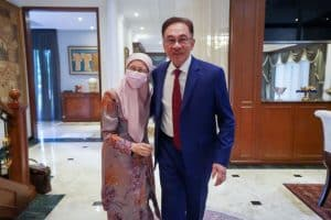 Anwar Ibrahim makes his bid to become Malaysia's new PM
