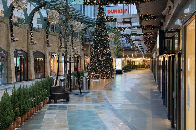 End-of-year holidays closing for Covid in Europe
