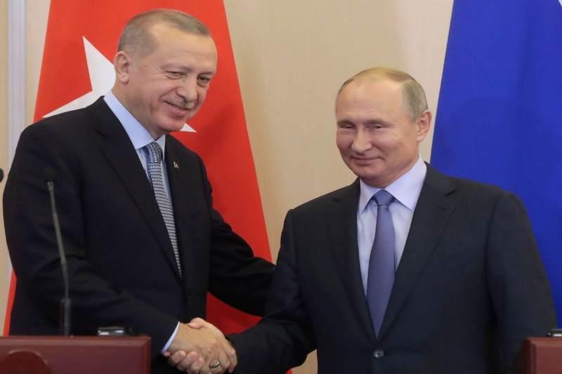 Kremlin Seeks Support Of Middle East For Peace In Libya