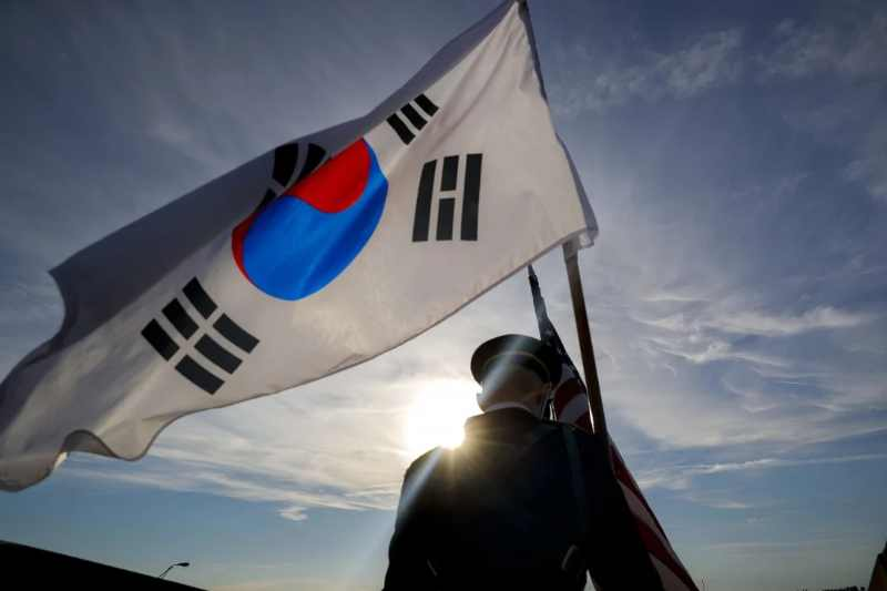 China, South Korea expand military ties with new hotlines