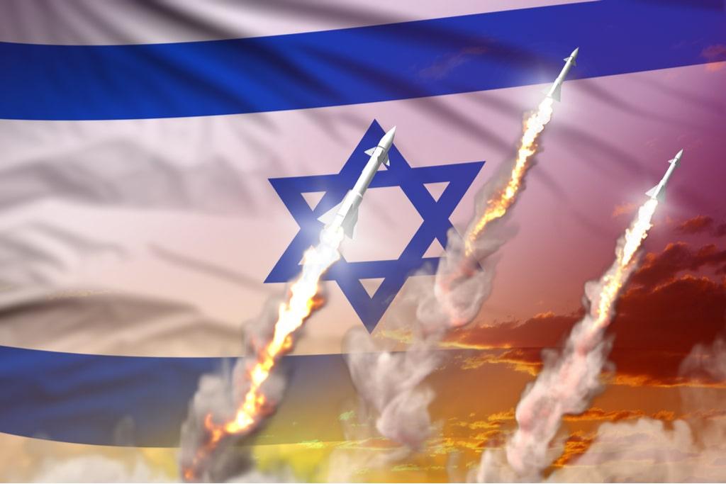 Israel targets Gaza tunnels whereas Palestinian rocket attacks persist
