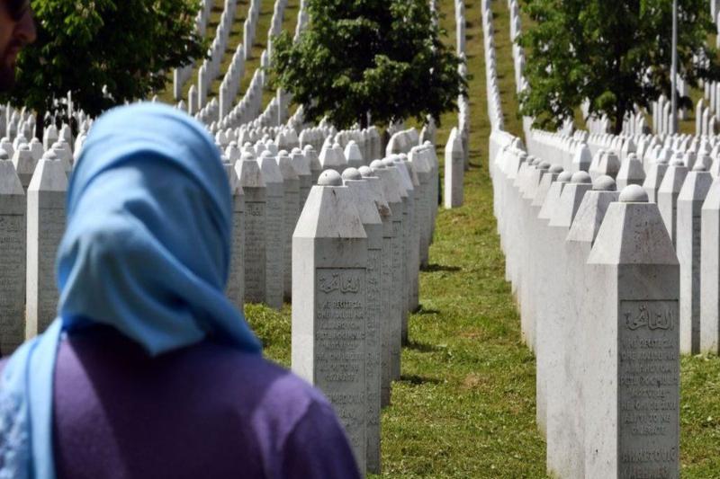 """Srebrenica massacre: """"Butcher of Bosnia"""" to hear verdict on 1995 genocide"""