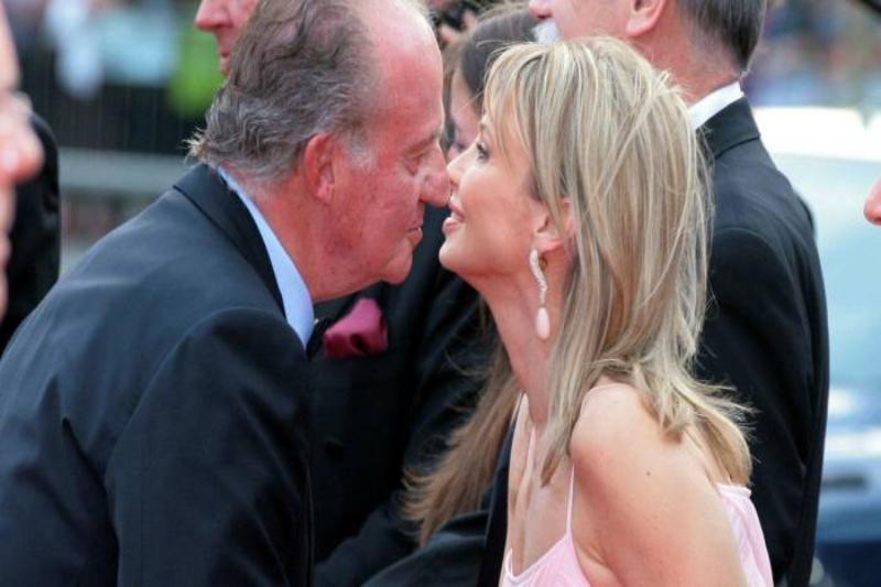 """Corinna sues Juan Carlos of Spain: """"He spies and threatens me"""""""