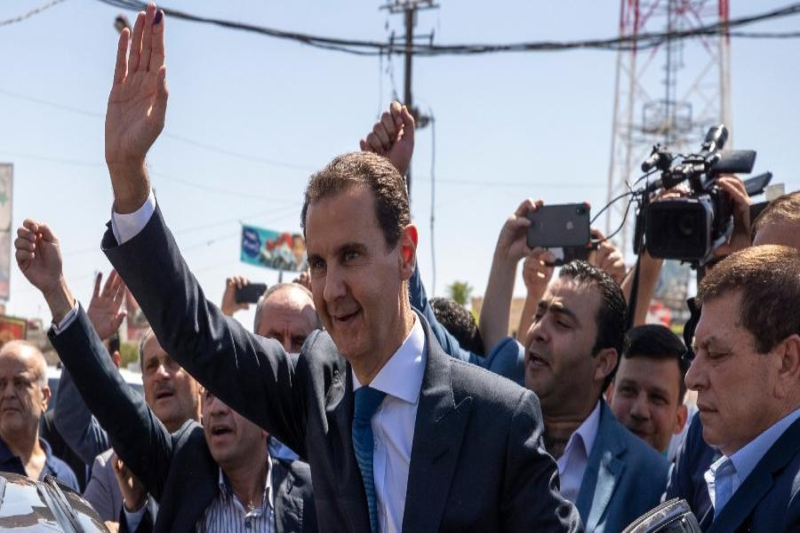 Syrian President announces 50% salary hike for employees