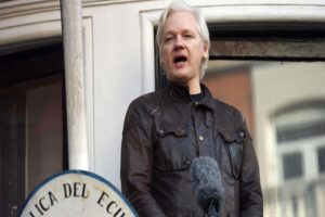 CIA discussed kidnapping or killing Julian Assange, journalistic investigation shows