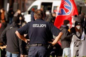 German police stop vigilantes from patrolling Poland border