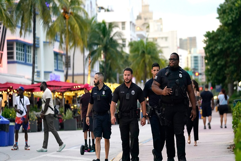 Miami Vice: from nightlife center to a bad neighborhood